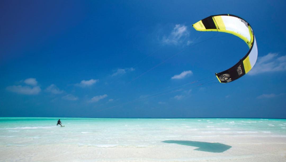 Catamaran, windsurfing and kitesurfing lessons