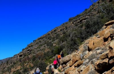 MOUNTAIN OF SUN JEBEL SHAMS OMAN TREKKING DAY TRIP